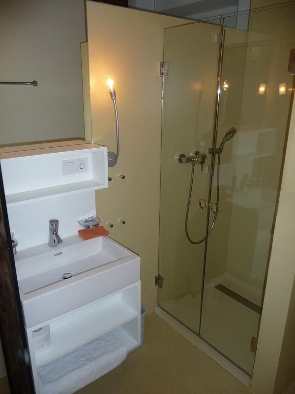 design appartement large. Black Bedroom Furniture Sets. Home Design Ideas